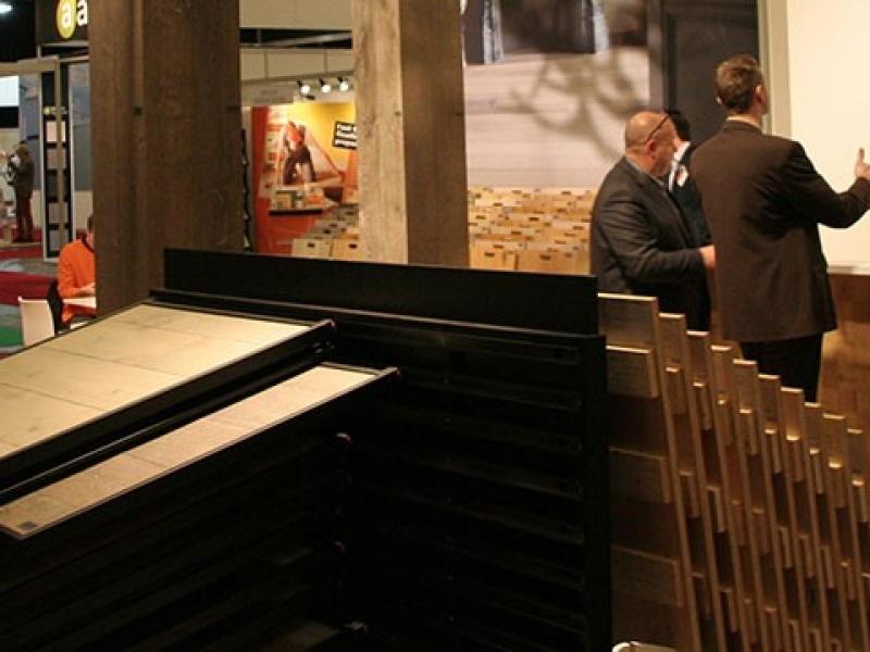 Efwex snijdt hout - Interieur gevelbekleding houten ...