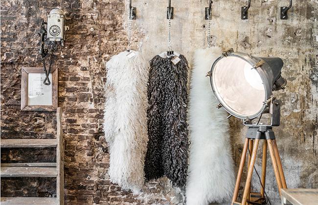 raw materials bij beste dozijn ter wereld. Black Bedroom Furniture Sets. Home Design Ideas